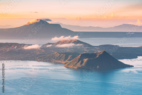 Canvas Print Taal Volcano in Tagaytay, Philippines