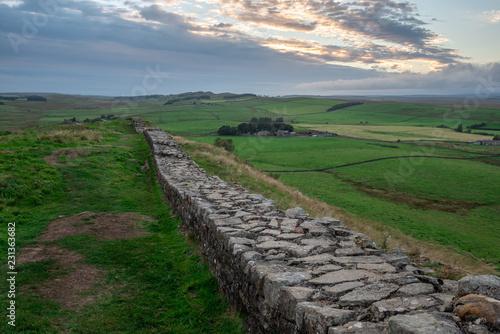 Valokuvatapetti Famous Hadrian's Wall, England