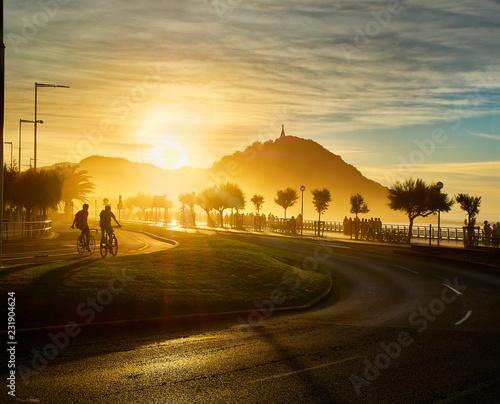 Canvas The sun sets behind the Monte Urgull of San Sebastian, Basque Country, Guipuzcoa