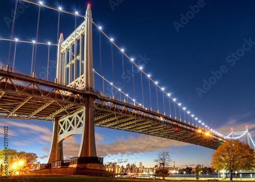 Fototapeta Triborough Bridge at night, in Astoria, Queens, New York. USA