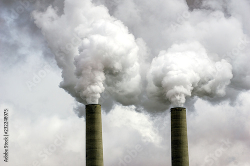 Foto Coal Power Plant Smokestacks - Pollution and Climate Change