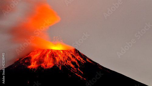 Stampa su Tela Volcán Tungurahua, Ecuador