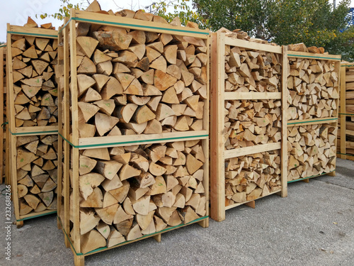 Fotografia, Obraz chopped firewood stacked in boxes