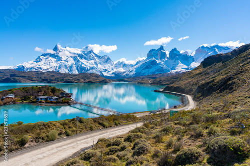Mountains and lake in Torres del Paine National Park in Chile Fototapet