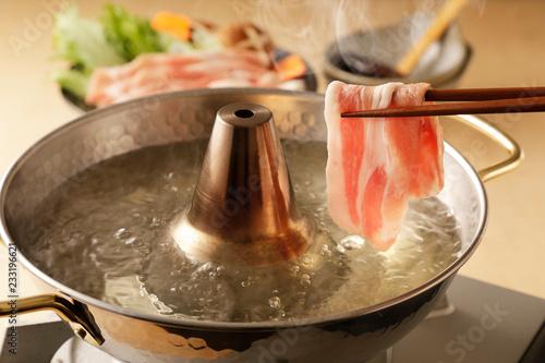 豚肉のしゃぶしゃぶ Shabu-shabu of pork