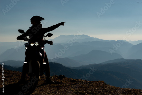 motorcycle ride, pleasant breaks, exploration and amazing landscapes