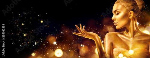 Fényképezés Gold Christmas woman