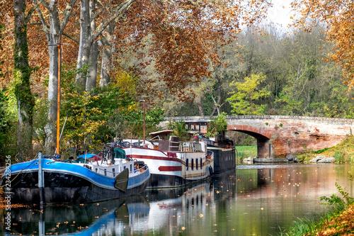 Fotografia The Canal du Midi near Toulouse in autumn