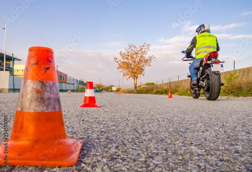 Fototapeta premium uczeń motocykla / motocyklista