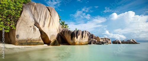 Stampa su Tela Palm and tropical sea beach panorama