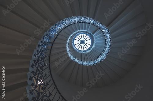 Carta da parati spiral staircase