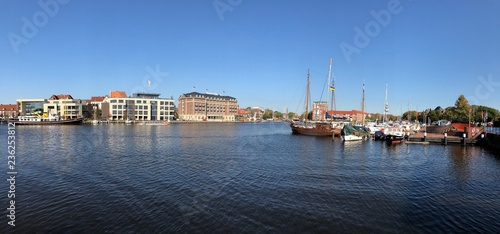 Canvastavla Panorama from the old inland port in Emden