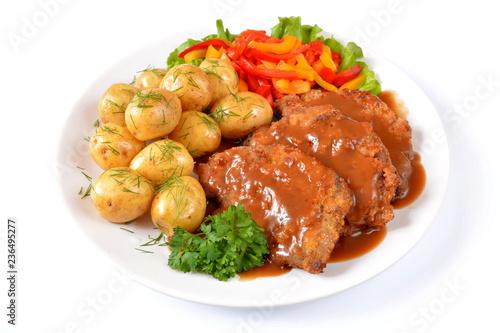 kotlety schabowe z ziemniakami i papryką