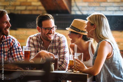 Fotomural Friends drinking beer