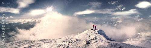 Fotografía training of climbers on top
