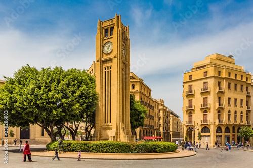 Fototapeta premium Plac Nijmeh w centrum Bejrutu, stolicy Libanu, na Bliskim Wschodzie
