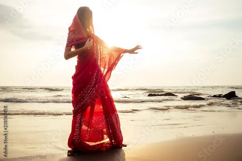 Obraz na płótnie indian female model in vacation on paradise tropical beach by ocean sea