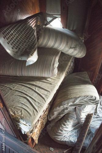 Fotografia Inside of abandoned orient express in Malaszewice, Poland