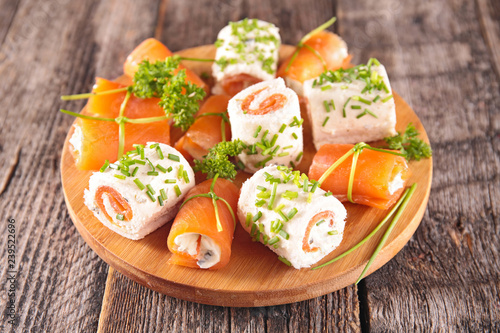 Stampa su Tela finger food with salmon and cheese