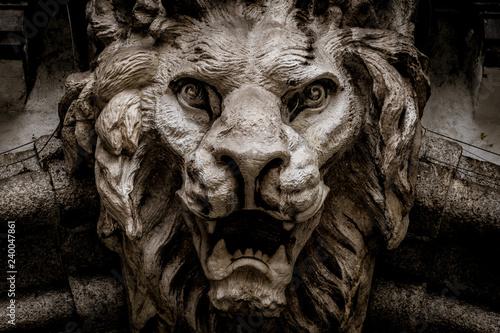 Fotografia Lion-Shaped Demon head