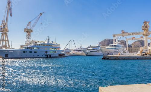 Fotografia port et chantier naval de la Ciotat, France