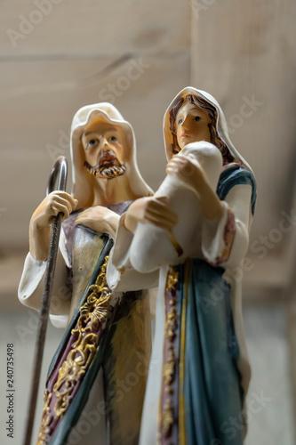 Elégante scène de nativité en santon de Provence, objet détouré figurine de la S Fototapeta