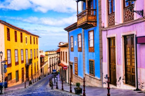 Canvas Print landmarks of Tenerife - traditional colorful town La Orotava