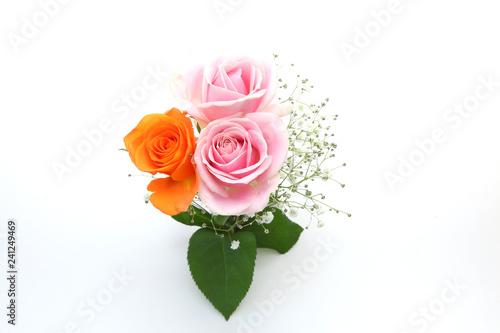 Slika na platnu 薔薇とカスミソウの花束