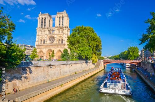 Stampa su Tela Famous cathedral Notre Dame de Paris in Paris, France.