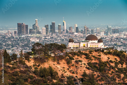 Fototapeta Griffith Observatory and the Skyline of Los Angeles at Dusk