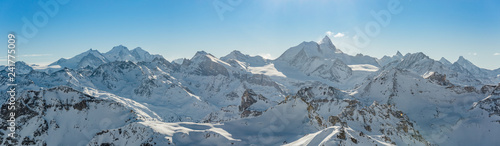 Fotografia, Obraz Panorama of the Weisshorn and surrounding mountains in the swiss alps