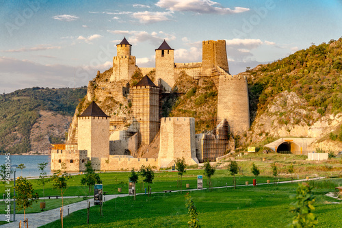 Canvas Print Golubac fortress on the danube river in Serbia