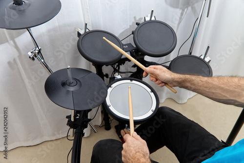 Fotografie, Obraz Elektronisches Schlagzeug