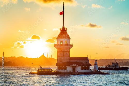 Billede på lærred Maiden's tower - Istanbul, Turkey