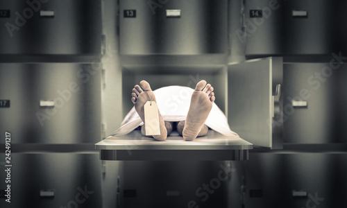 Stampa su Tela man in the morgue