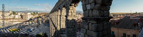Fotografia Panoramic view of Segovia and its Aqueduct.
