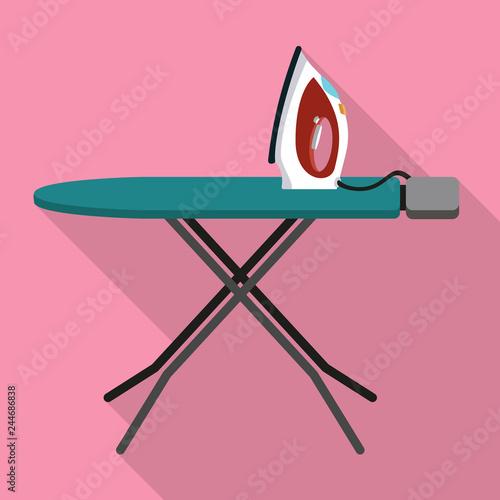 Carta da parati House ironing board icon