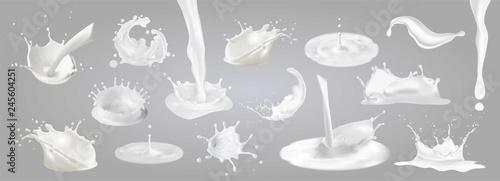 Fotografia Milk splashes, drops and blots.