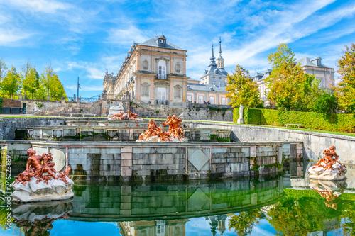 Fototapeta A fountain at Palace la Granja de San Ildefonso in Spain