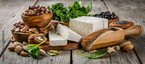 Obraz na płótnie Selection of vegan plant protein sources - tofu, quinoa, spinach, broccoli, chia