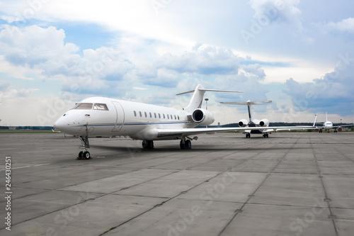 Tablou Canvas Business jet plane on the parking