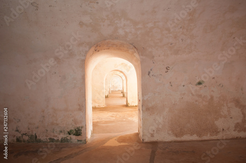 Foto archway in old fortress puerto rico