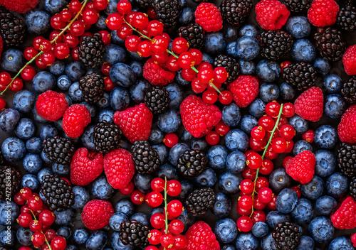 Obraz na plátně Berries overhead Background