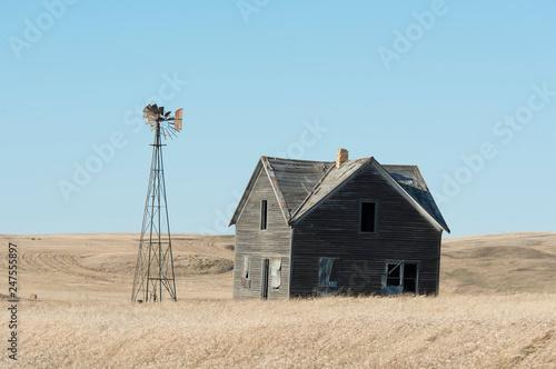 An old farmhouse on the prairie in North Dakota