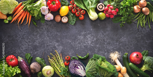 Photo Healthy food concept with fresh vegetables and ingredients for cooking