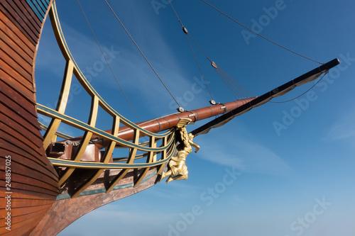 Fotografiet Sailing ship bow and figurehead