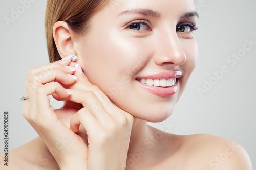 Canvastavla Closeup portrait of jewelry model