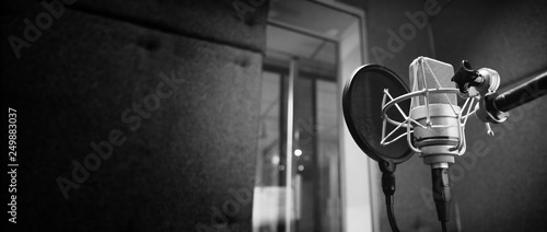 Fotografia Studio microphone or mic for recording for vocal singer or commercial announcer