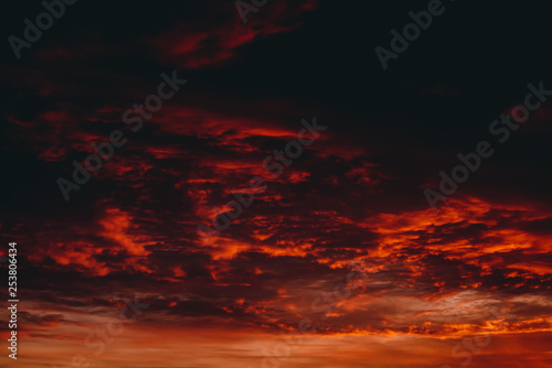 Photo Fiery red blood vampire dawn