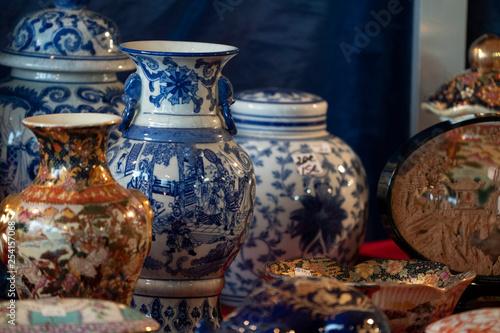 Fototapeta Chinese porcelein at the market